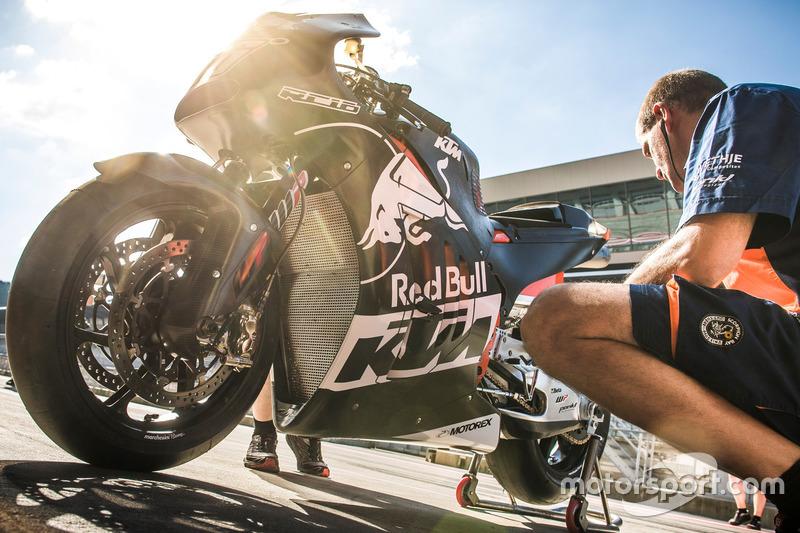 Meccanico Mika Kallio, KTM RC 16