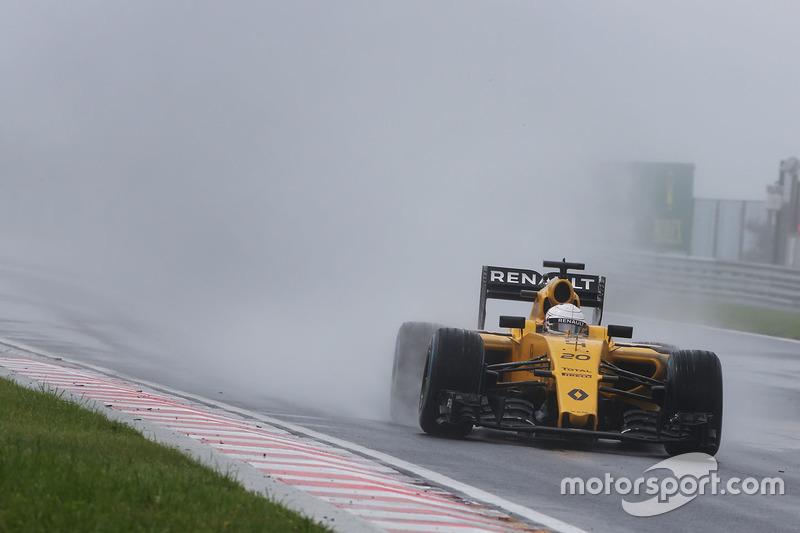 19: Kevin Magnussen, Renault Sport F1 Team RS16