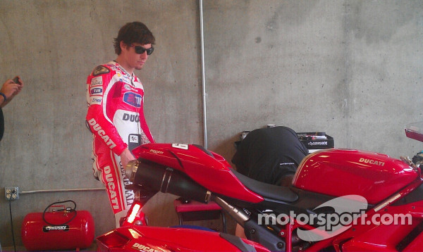 Nicky Hayden about to lap Indy