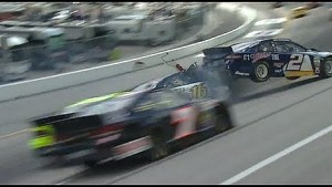 Brad Keselowski spins and takes out Greg Biffle | NASCAR Kentucky Quaker State 400