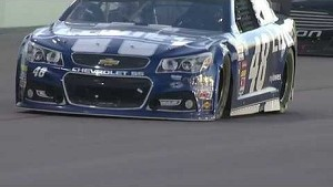 NASCAR Jimmie Johnson gets damaged on restart | Homestead-Miami Speedway