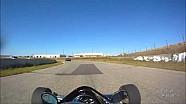 Vuelta en Race City Speedway en Calgary F200