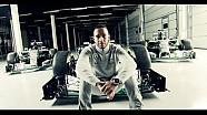 A new Silver Arrow is born: Lewis Hamilton presents the 2016 Mercedes F1 W07!