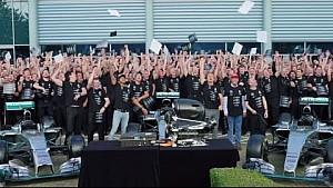 Le générique final de Mercedes pour 2016