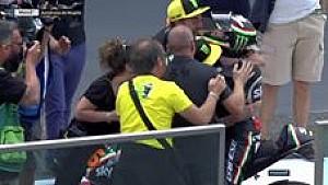 Valentino Rossi rayakan kemenangan Andrea Migno dan Team Sky VR46