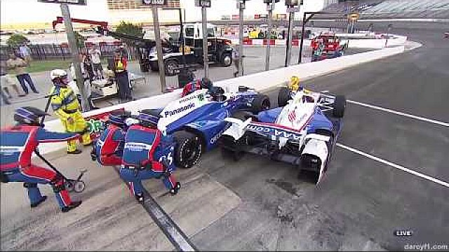 Castroneves, Sato y Hinchcliffe chocan en Texas