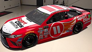 Denny debuts the 'Flying 11' for Darlington throwback weekend