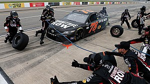 JGR transfers Nos. 77 and 78 pit crew management to Furniture Row Racing