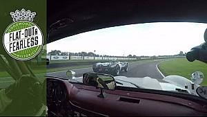 Jochen Mass à l'attaque dans la Mercedes 300 SL Gullwing