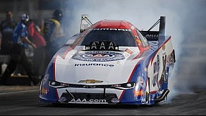 Robert Hight goes low in Friday qualifying at the #Vegas4WideNats